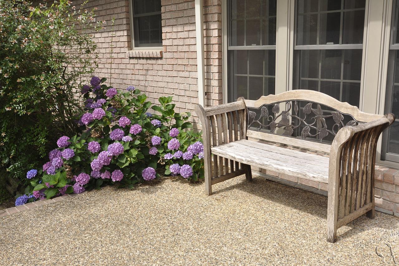 bench-1162938_1280.jpg