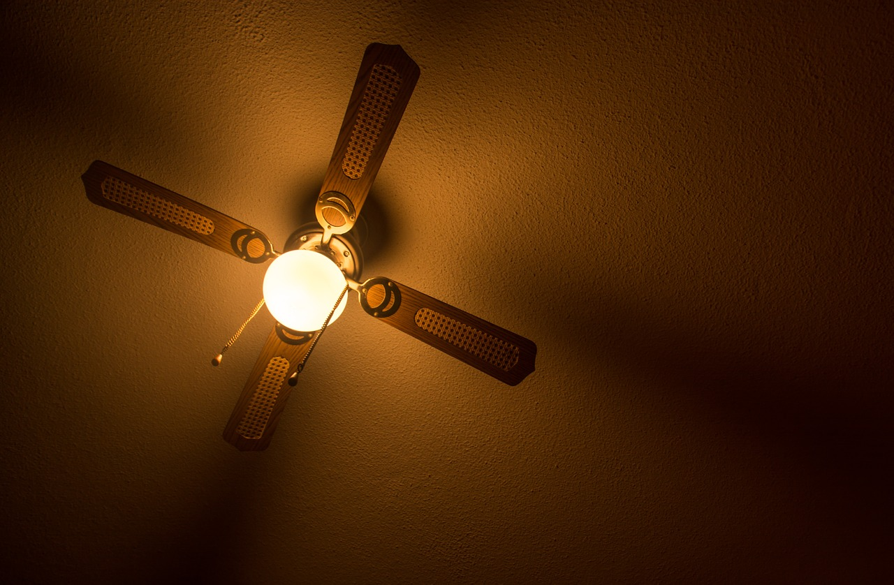ceiling-1107862_1280.jpg