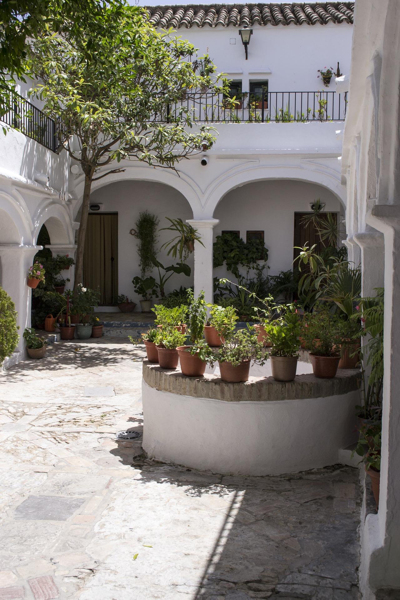 patio-1192247_1920.jpg