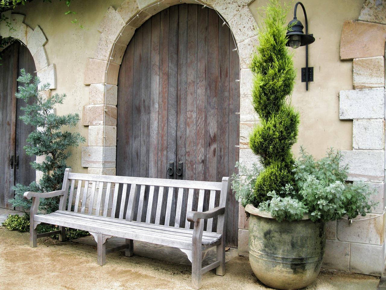 wood-bench-396339_1280.jpg